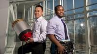 Một chàng trai gốc Việt đã trở thành cái tên đình đám trên các tờ báo nổi tiếng hàng đầu nước Mỹ trong tuần qua khi đồng sáng chế thành...