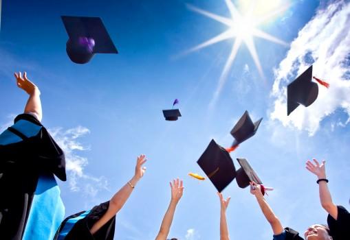 10 websites tốt nhất giúp bạn tìm kiếm học bổng bằng tiền mặt