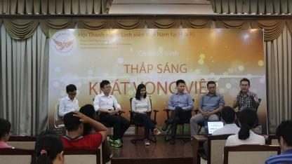 2.Đối thoại bàn tròn cùng anh Trương Phạm Hoài Chung và các bạn đã hiện thực hóa được giấc mơ du học năm nay.