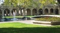 """Theo một bảng xếp hạng đại học vừa được công bố trong tuần này, top 10 trường đại học tốt nhất của Mỹ vắng tên hai """"ngôi sao"""" Harvard và..."""