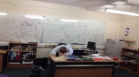 Cuộc đời nghiên cứu Tiến Sĩ qua ảnh