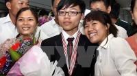 Đoàn Việt Nam có 8 học sinh dự thi Olympic Vật lý châu Á năm 2015 (tổ chức tại Trung Quốc). Cả 8 em đều đoạt giải, gồm hai huy...