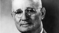 Napoleon Hill (Sinh ngày 26 tháng 10 năm 1883 – mất ngày 8 tháng 11 năm 1970) là một tác giả người Mỹ, một trong những người sáng lập nên...