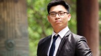 Nguyễn Đức Anh (lớp 12 chuyên Anh, THPT chuyên Ngoại ngữ Hà Nội) vừa nhận được học bổng toàn phần của Northeastern University – top 50 đại học tốt nhất...