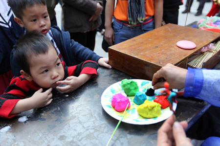 Hoàng Khánh Hòa – Giáo dục sớm: Hãy để con chơi