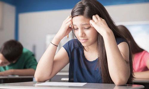 Học sinh Việt dễ mất điểm Viết vì 'V-English'