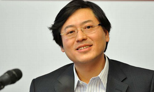 CEO Lenovo 40 tuổi mới học tiếng Anh