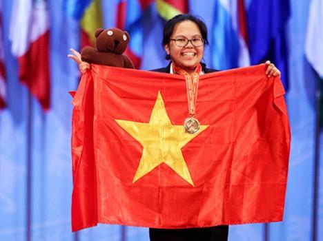 Nữ sinh giành học bổng của viện công nghệ số một thế giới