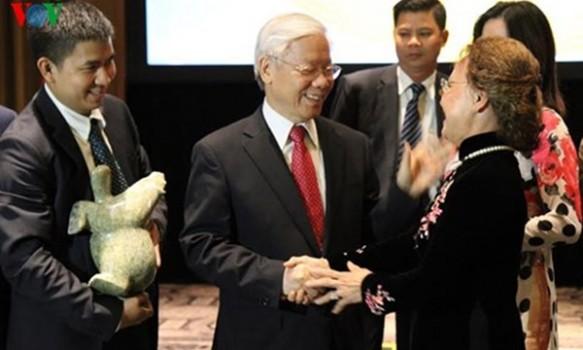 Tổng Bí thư gặp mặt bà con người Việt tại Hoa Kỳ