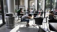 Theo cô Sara Harberson – nguyên trưởng ban tuyển sinh Ivy league, những sinh viên người Mỹ gốc Á gặp những bất lợi riêng khi đăng ký tuyển sinh vào...
