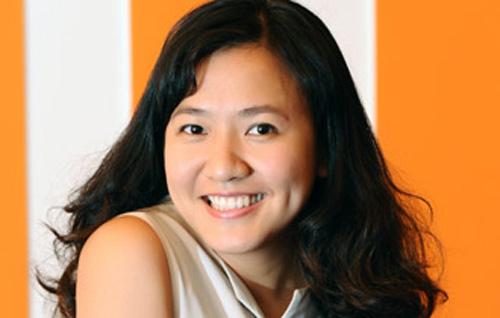 """Lê Diệp Kiều Trang kể chuyện tại """"Kết nối tuổi trẻ Việt – Connecting VietYouth"""" 2015"""