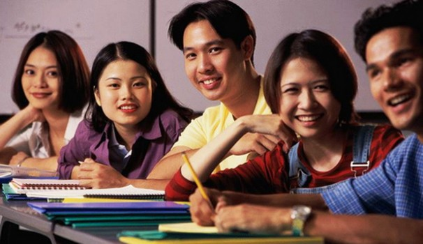Chương trình du học nào phù hợp học sinh lớp 11?