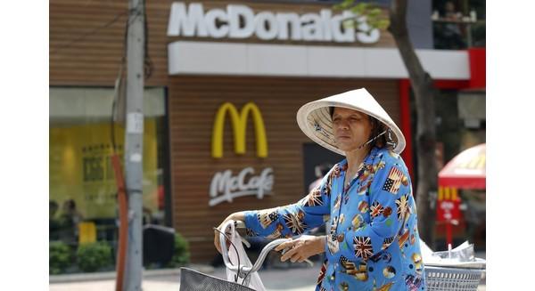 Giáo sư Harvard: Giới trung lưu Việt Nam không ảnh hưởng đến bạn ấy à? Nghĩ lại đi!
