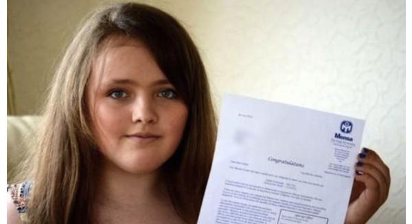 Cô bé 12 tuổi có chỉ số IQ cao hơn cả Albert Einstein và Stephen Hawking