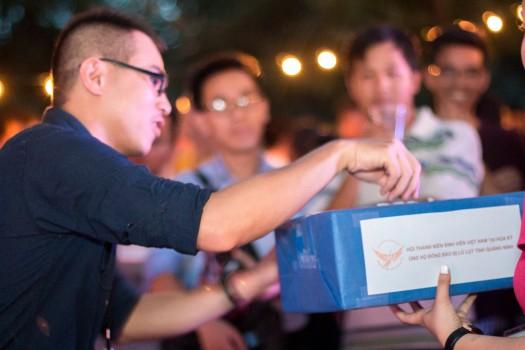 Thanh niên Mỹ ủng hộ đồng bào lũ lụt Quảng Ninh