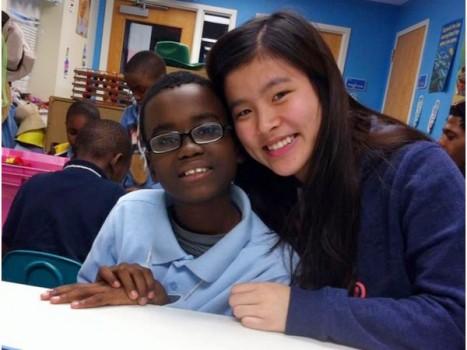 Nữ sinh Việt duyên dáng làm quản lý kí túc xá sinh viên tại Mỹ