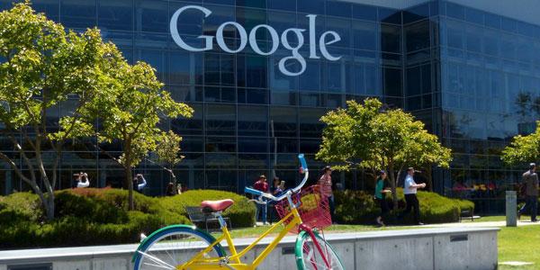 Nhân viên Google sống trong xe tải, tiết kiệm 90% tiền lương