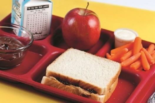 Học sinh Mỹ ăn trưa tại trường như thế nào?