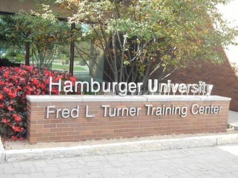 Khám phá đại học khó đỗ hơn Harvard