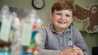 Ở tuổi 11, Henry Patterson làm chủ cửa hàng văn phòng phẩm riêng, thu về hơn 1.000 bảng Anh/tuần (hơn 34 triệu đồng). Henry Patterson (11 tuổi) đến từ Lidlington...