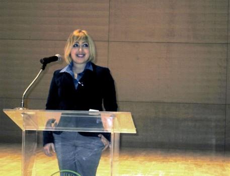 Nữ giáo sư trẻ nhất thế giới từng thất vọng về đại học