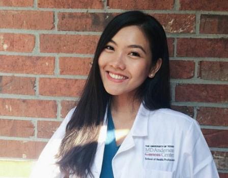 Hoa khôi du học sinh Việt đam mê ngành Y