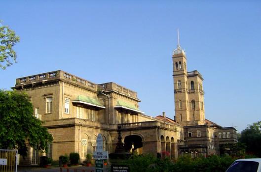 Top 10 trường đại học đông sinh viên nhất thế giới