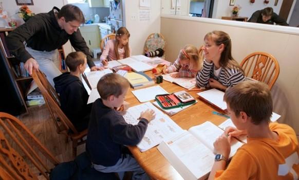 Dạy con học tại nhà là xu hướng ở Mỹ