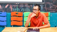 Bút Chì – Đỗ Hữu Chí được biết đến như một họa sĩ vẽ truyện tranh, vẽ bìa sách rất nổi tiếng ở Việt Nam. Nhận học bổng và sau...