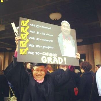 Cụ ông gốc Việt nhận bằng cử nhân ở tuổi 70