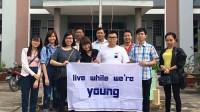 Những phần quà là nhu yếu phẩm được các thành viên Hội sinh viên Việt Nam tại Đại học Nam Úc chọn mua, tự gói suốt 12 ngày đêm để...