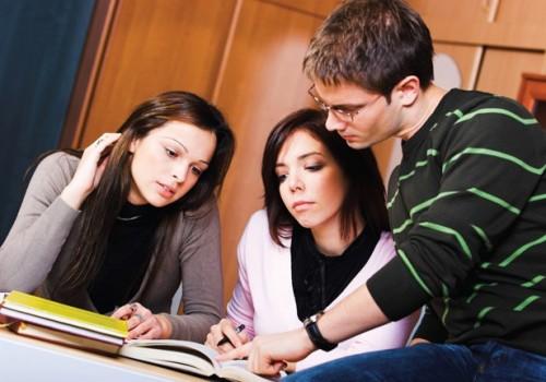 'Cho mang bài về nhà, sinh viên Harvard cũng không gian lận'