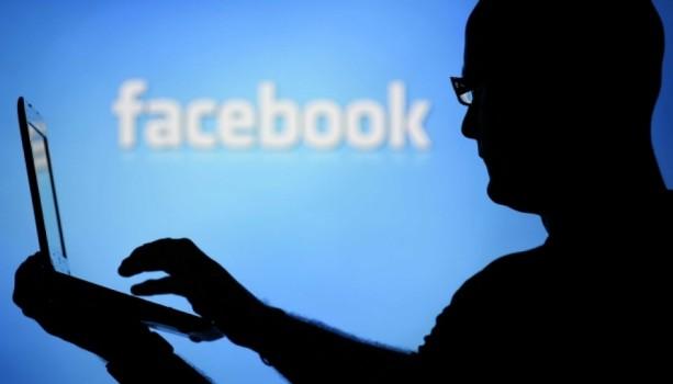 Facebook Đang Khiến Chúng Ta Suy Nghĩ Một Cách Thiển Cận