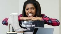 Chloe Bingham (19 tuổi, đến từ Islington, Bắc London) khiến nhiều người ngưỡng mộ khi kiếm được bộn tiền trong 5 tháng nhờ các cuộc thi trên mạng. Theo Metro,...