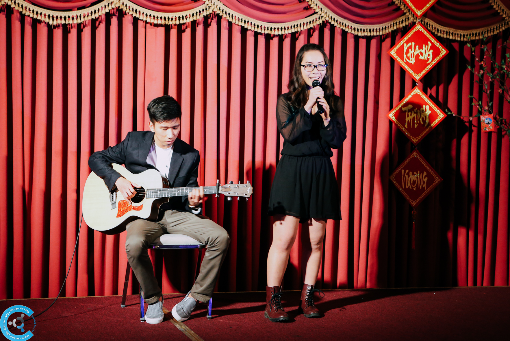 Màn biểu diễn acoustic từ đôi bạn dành chiến thắng tại Chicagoland Got Talent