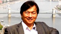 Những ngày đầu năm 2016, cộng đồng người Việt tại Hungary đón nhận một tin vui khi Tiến sĩ Toán học Bùi Minh Phong, hiện đang công tác tại Trường...