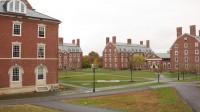 Học viện Phillips Exeter là trường nội trú sang trọng nhất ở Mỹ. Đây từng là nơi cựu Tổng thống Franklin Pierce và ông chủ Facebook Mark Zuckerberg học tập....