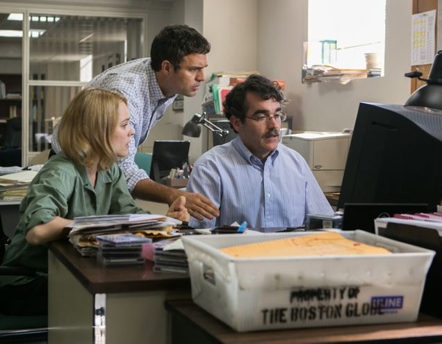 (Left to right)Ê Rachel McAdams as Sacha Pfeiffer, Mark Ruffalo as Michael Rezendes and Brian dÕArcy James as Matt Carroll in the motion picture 'SPOTLIGHT.' credit:Ê Kerry Hayes, Open Road Films