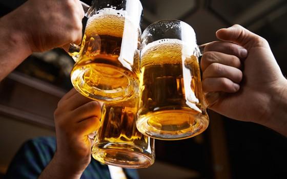 Việt Nam hiện nay: Uống bia gấp 3 lần sữa, thanh niên thấp thứ 3 châu Á