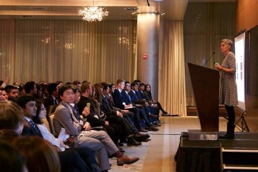 """""""Thủ lĩnh"""" 9X kể chuyện hội thảo """"vấn đề nóng châu Á"""" ở ĐH Harvard"""