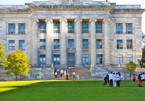 Những đại học đào tạo ngành Y tốt nhất thế giới