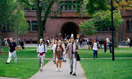 17 trường Đại học Mỹ đào tạo sinh viên kiếm được $75,000/ năm sau 10 năm tốt nghiệp