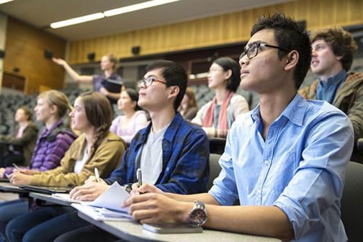 Làm sao để vượt qua 'danh sách dự bị' đại học?