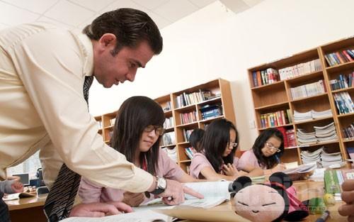 3 Cách Giúp Du Học Sinh Cải Thiện Kỹ Năng Viết