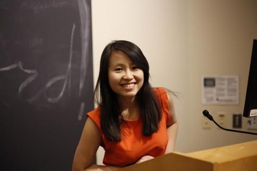"""Nữ sinh Việt """"ẵm"""" 6 học bổng toàn phần Mỹ, chế tạo robot thông minh"""
