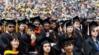 Trong khi sinh viên các nước đổ vào Mỹ với mong muốn có được tấm bằng củanền giáo dục hàng đầu thế giới thì nhiều sinh viên Mỹ lại chọn...