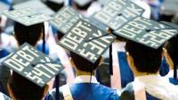 Số liệu từ một hiệp hội vừa công bố cho thấy sinh viên tốt nghiệp ở Anh chìm ngập trong khoản nợ sau tốt nghiệp cao nhất thế giới với...
