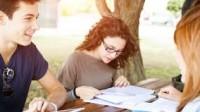 Trong tương lai, định hướng giáo dục trở nên chú trọng đến việc cho sinh viên học sinh thể hiện cá tính và bản thân nhiều hơn. Đối với các...