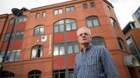 Đại học Mở ở Anh bán 7 trên 9 cơ sở của mình tại England, đầu tư mạnh vào hoạt động trực tuyến để phù hợp với xu thế phát...