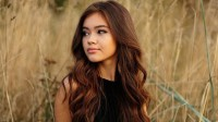 Mẹ là người Việt, bố người Mỹ, Vivian Võ sở hữu nét đẹp Á Đông dịu dàng, nhưng cùng đầy quyến rũ và phóng khoáng. Cô gái 19 tuổi này...